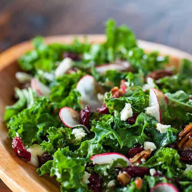 ผักเคล Kale คะน้าใบหยัก ประโยชน์ดีที่คนรักสุขภาพต้องกิน