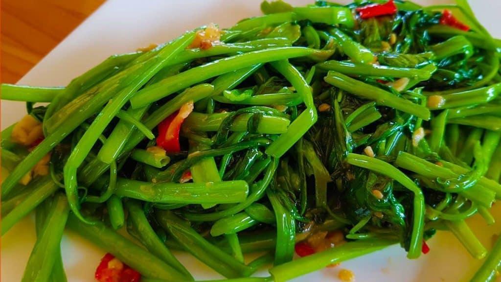 วิธีการปลูกผักบุ้งในโอ่งอย่างไรให้งาม